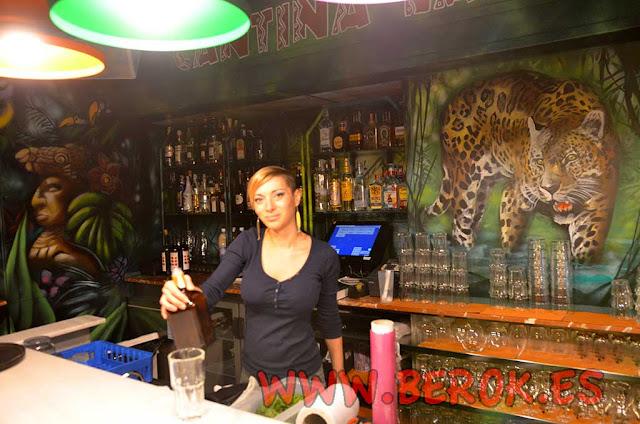 Camarera restaurante mexicano