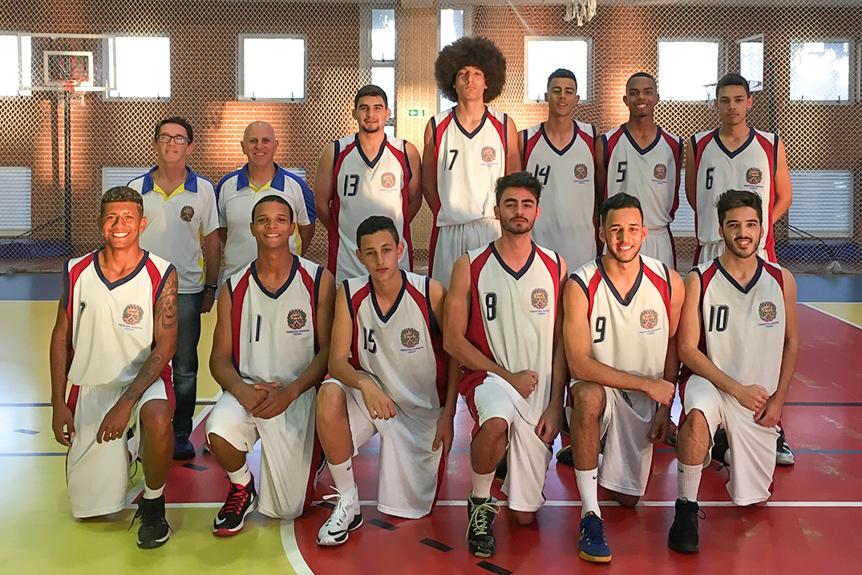 252f9c4936 O basquete masculino até 21 anos de Itupeva estreou na tarde desta  sexta-feira
