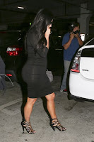 Pregnant Kim Kardashian photo 1
