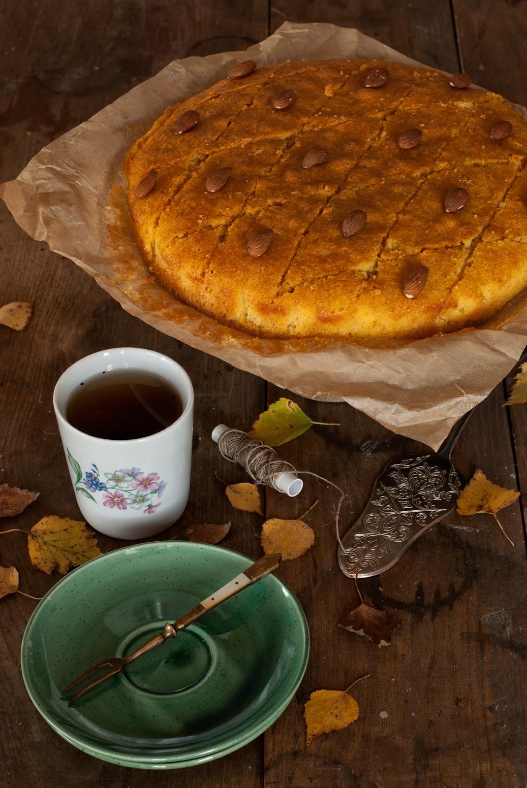 Revani ciasto z kaszką manną i migdałami