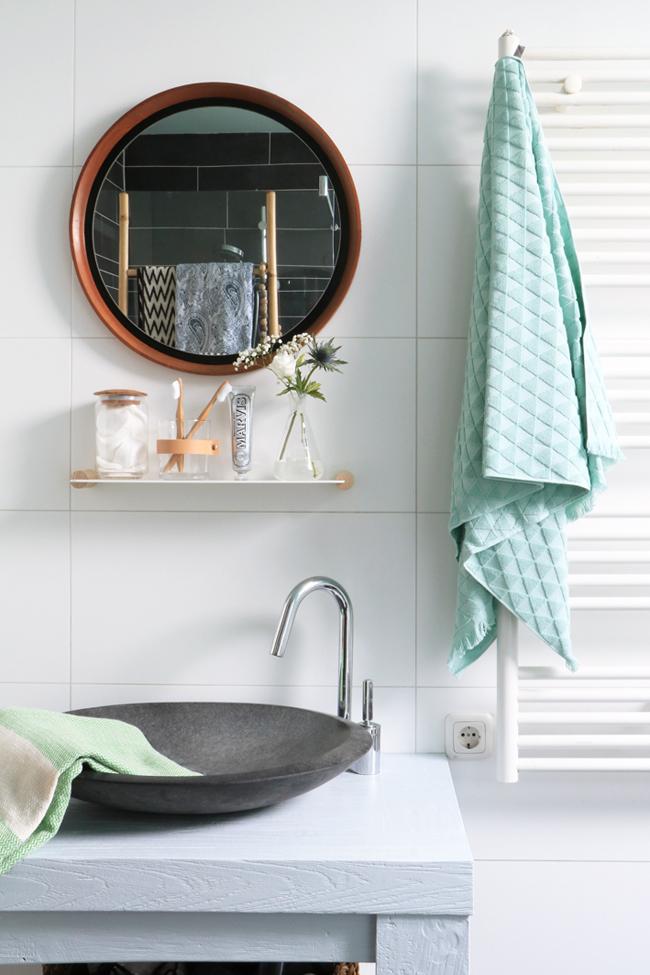 Accesorios mint y madera para el baño