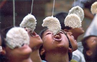 loma makan krupuk 17 agustusan