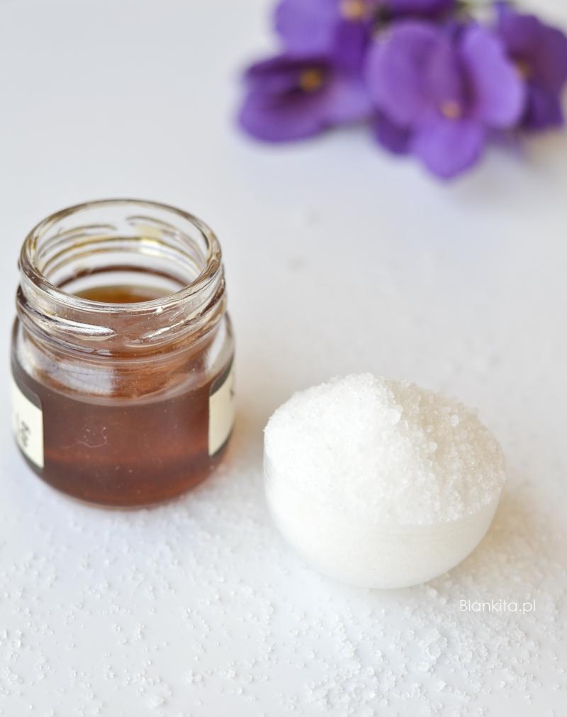 peeling cukrowy, peeling z miodem, peelingowanie ust, peeling z cukru i miodu, nawilżający peeling do ust, własny peeling, domowy peeling do ust,