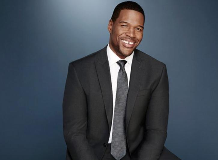 Hobbs - Michael Strahan Developing Football Star-Turned-Cop Drama for ABC