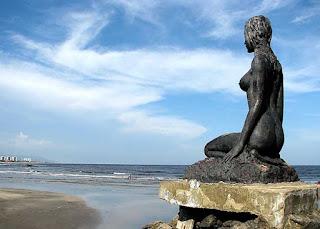 Mulheres de Areia, entre a Praia dos Sonhos e a Praia dos Pescadores, em Itanhaém