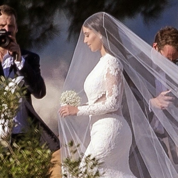 cfd4db474 Este é o primeiro casamento de Kanye West e o terceiro de Kim Kardashian.