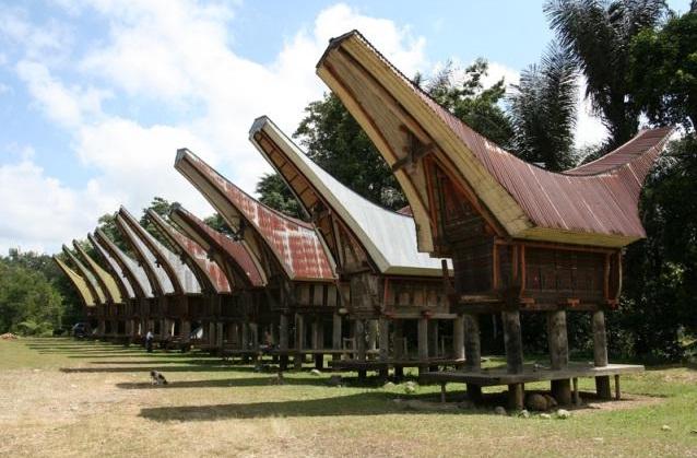 Tentang Rumah Tongkonan Suku Toraja