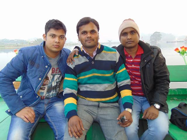 enjoy boating in gomti river