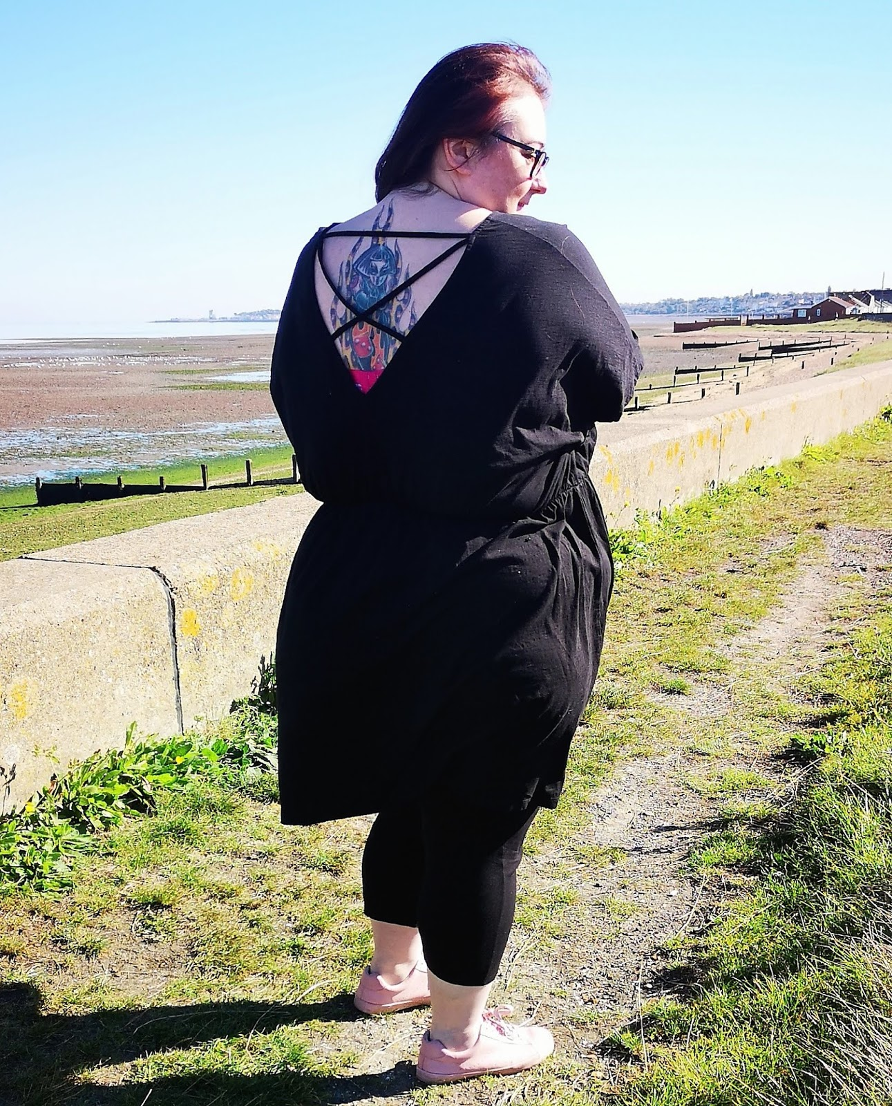 Asos Design Curve cross back plus size smock dress // www.xloveleahx.co.uk