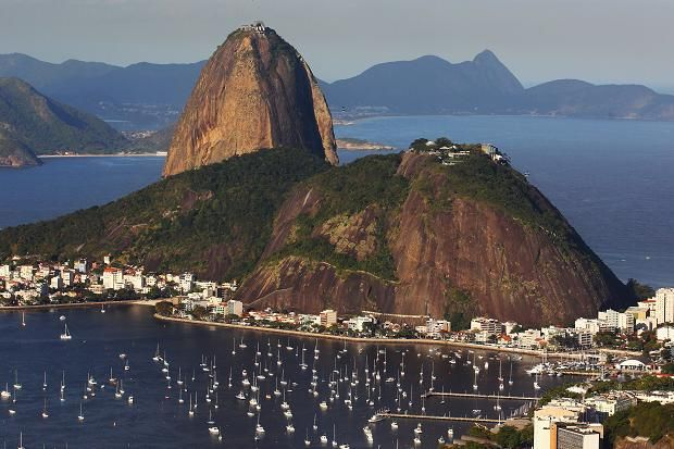 #TrueNews : Six bodies found Sunday on shore near Sugarloaf Mountain in Rio de Janeiro !