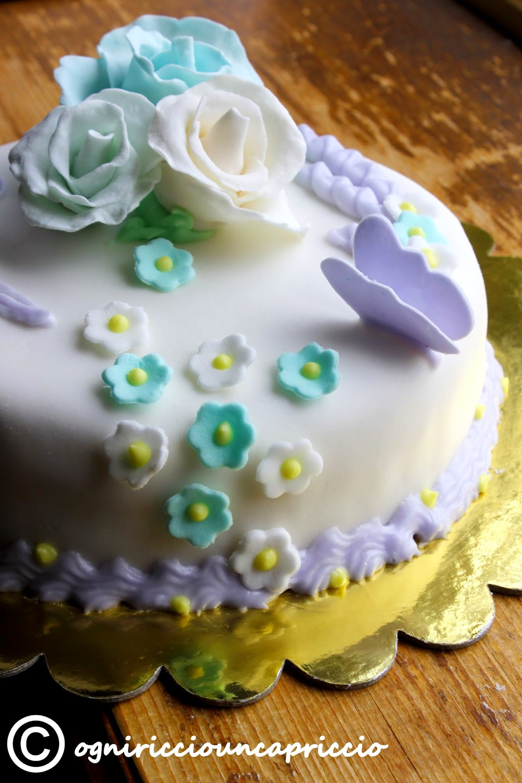 Incucinacolcuore pasta di zucchero e decorazioni for Pasta di zucchero decorazioni