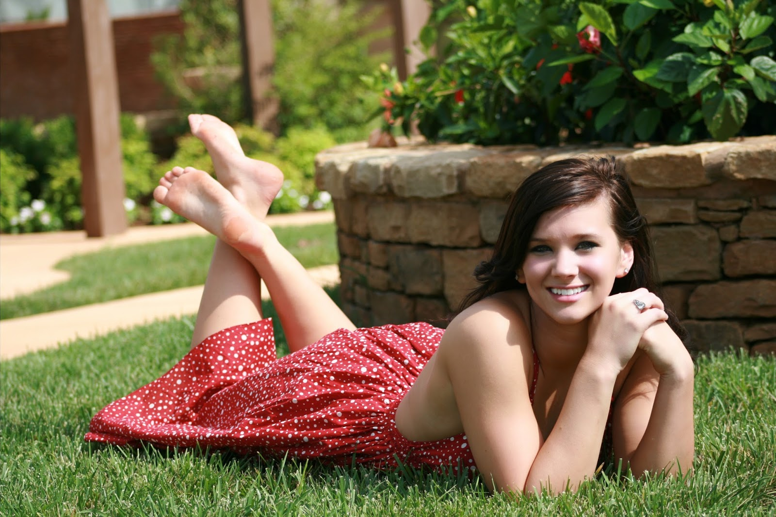barefoot-pictures-of-girls-eva-wrywal-pussy