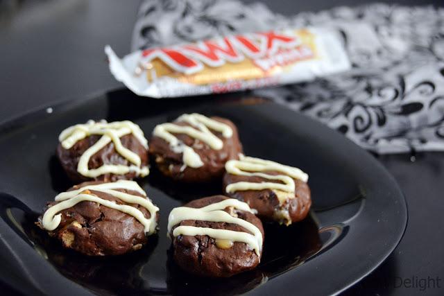 עוגיות שוקולד טויקס chocolate twix cookies