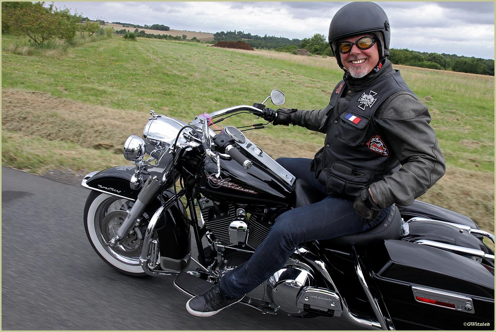 Rencontre femme qui aime la moto