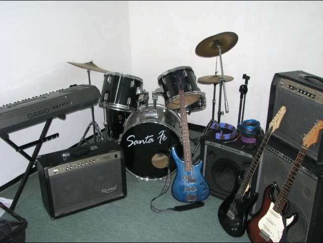 Bisnis alat musik