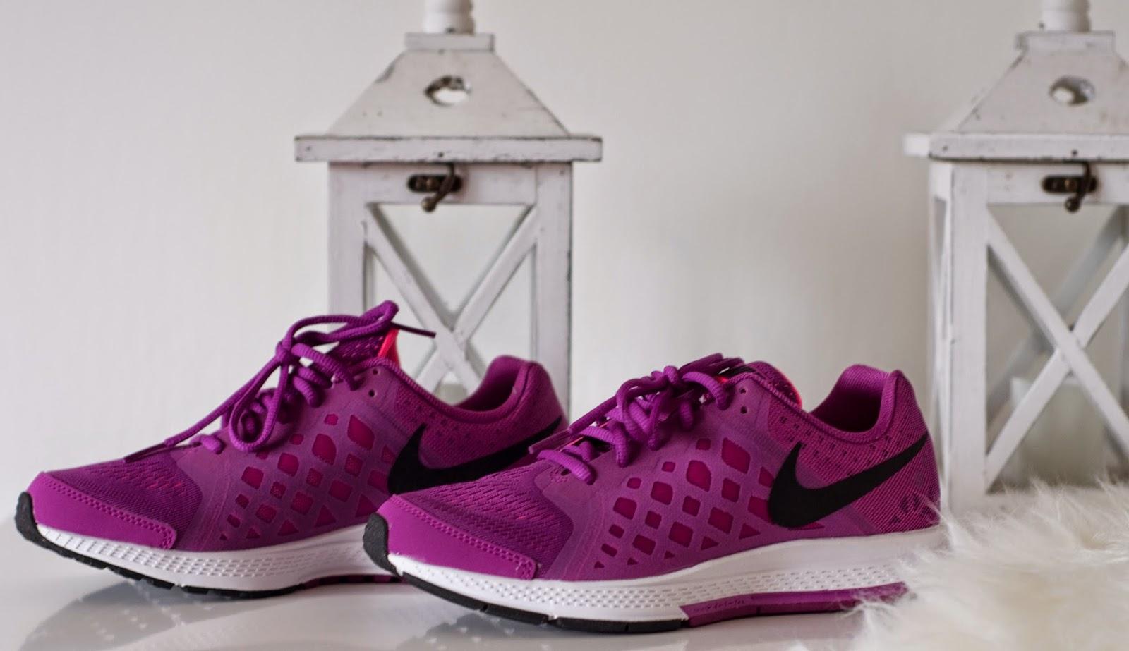 buty do biegania Nike kolor różowy