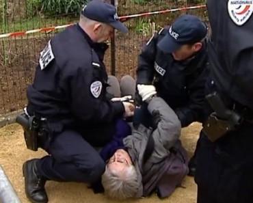 Arrestation musclée d'une dame de 72 ans