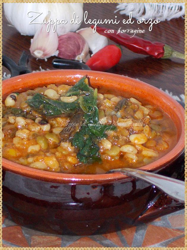 Zuppa di legumi ed orzo con borragine