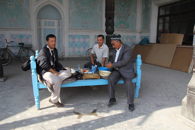 Ouzbékistan, Andijan, musée littéraire Babour, rue Bazernaya, plov, tapchane, tapshan, © L. Gigout, 2012