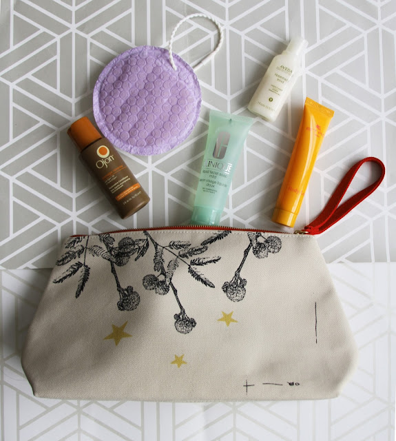Travel with the new Olay DUO body Cleanser for a lighter toiletries bag