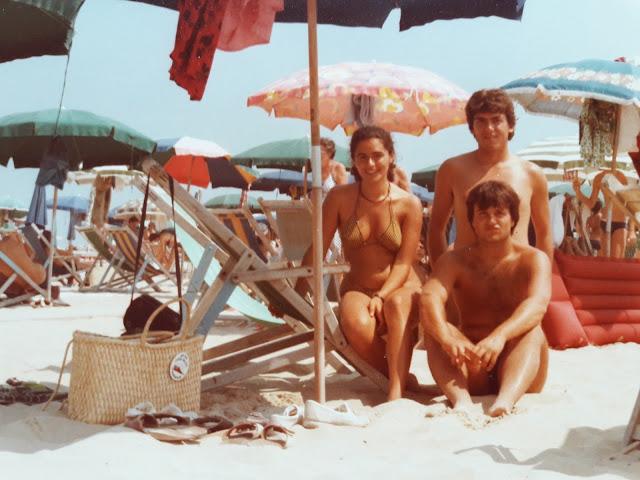 Foto sulla spiaggia di San Benedetto del Tronto con gli amici