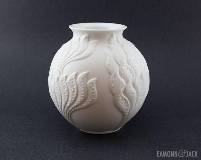 round Kaiser vase