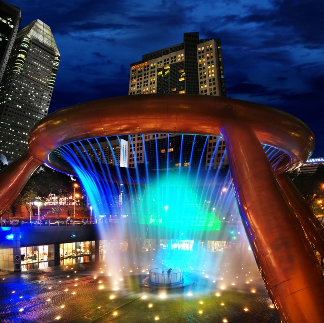 18 Amazing Fountains From All Over The World That Are Real Works Of Art - Fountain of Wealth in Singapore