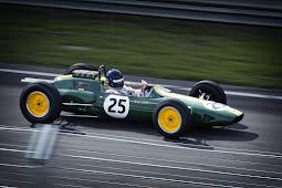 Sports Car Racing - Melaju kencang dengan Aman