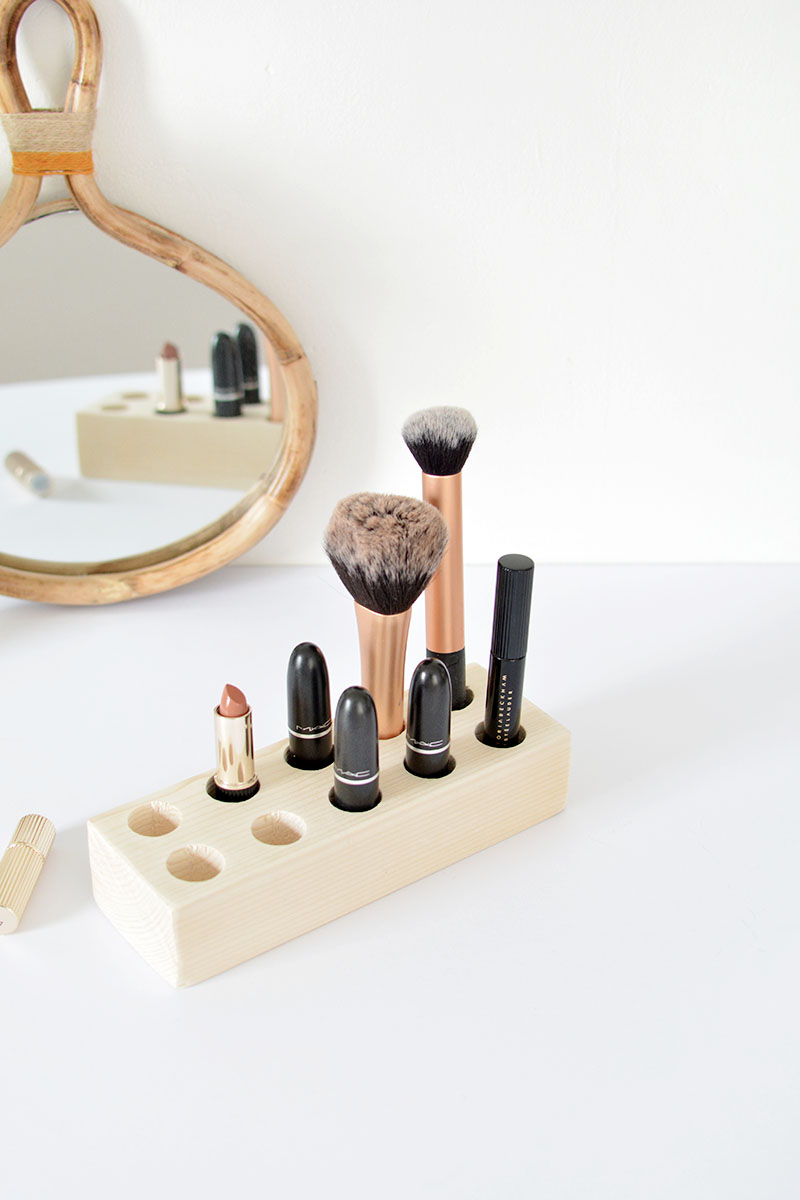 minimal make up storage