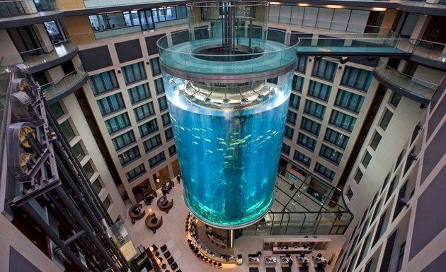 Aqua Dom en Alemania - ascensores increíbles