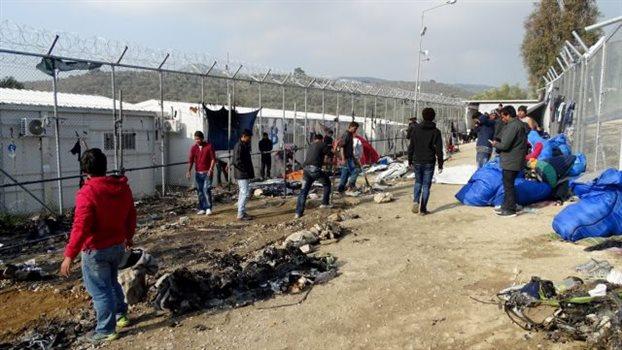 Μουζάλας: «Κέντρα κράτησης θα γίνουν και στα πέντε νησιά»