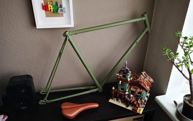 Fahrrad Rahmen fertig lackiert mit RAL 6003