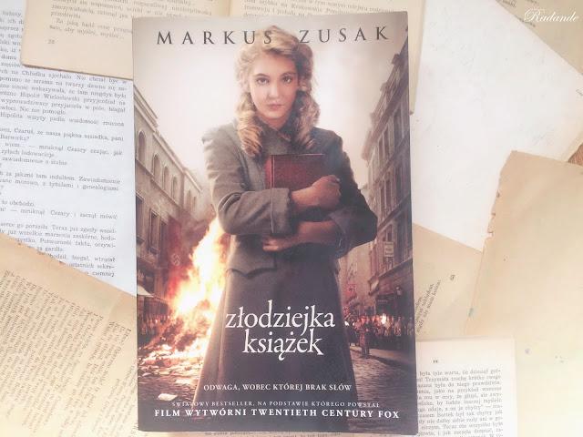 """Obyczajowy kącik: Markus Zusak """"Złodziejka książek"""""""