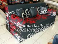 Sofa bed Inoac motif bunga hitam inoactasik