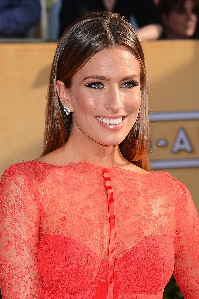 Fashion And Whatever I Like Renee Bargh From EXTRA TV Looking Gorgeous At The 2014 SAG Awards
