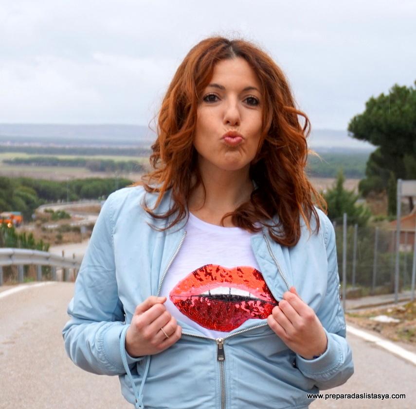 Camiseta labios rojos