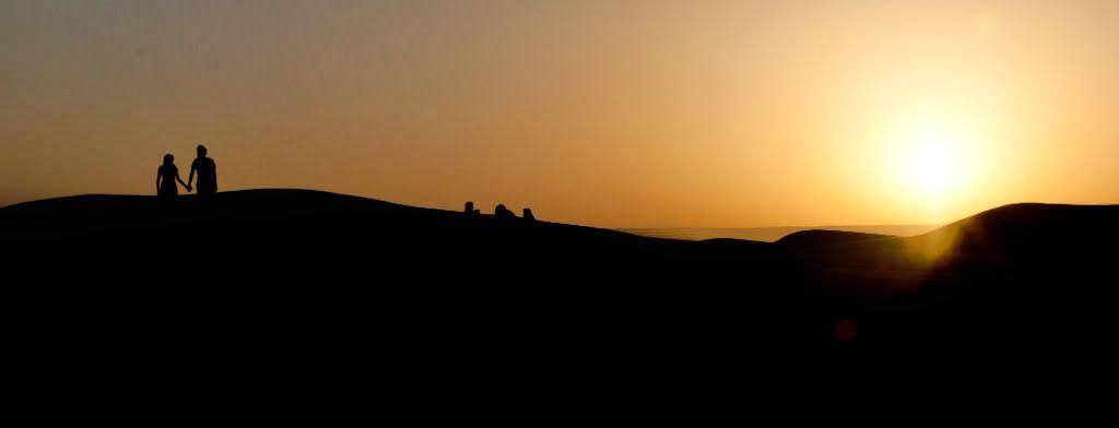 Panorámica amanecer en el desierto del Sahara