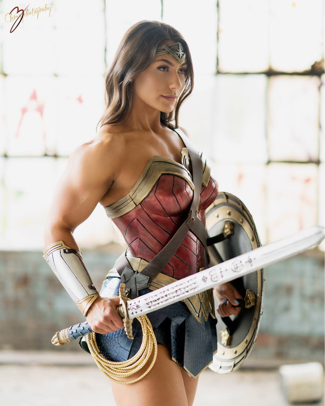 brigitte goudz sexy wonder woman cosplay 01