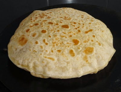 puran poli roasted on pan