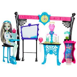 MH Skulltimate Science Class Dolls
