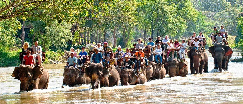 6 địa điểm bạn nên tham quan khi đi du lịch bụi Thái Lan