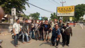 Oknum BPD Desa Kertasari Lecehkan Jurnalis di FB, Puluhan Wartawan Karawang Lapor Polisi