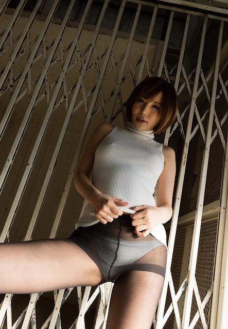Satomi Yuria 里美ゆりあ Images 画像 01