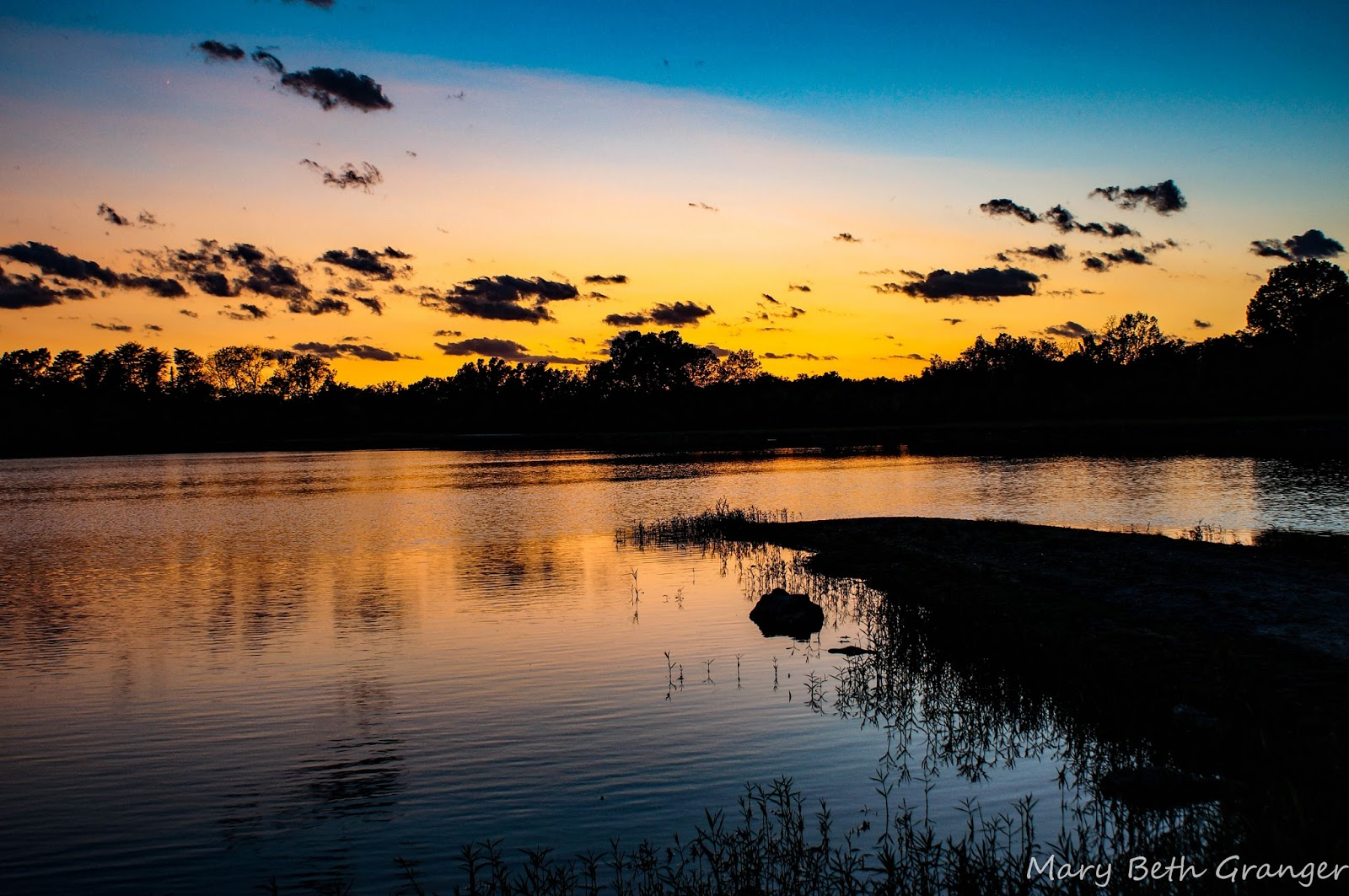 reviewing tips for photographing beautiful sunsets