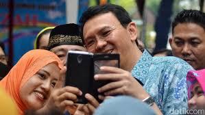 Kumpulkan 533.420 Fotokopi KTP, Relawan Teman Ahok Potong Tumpeng