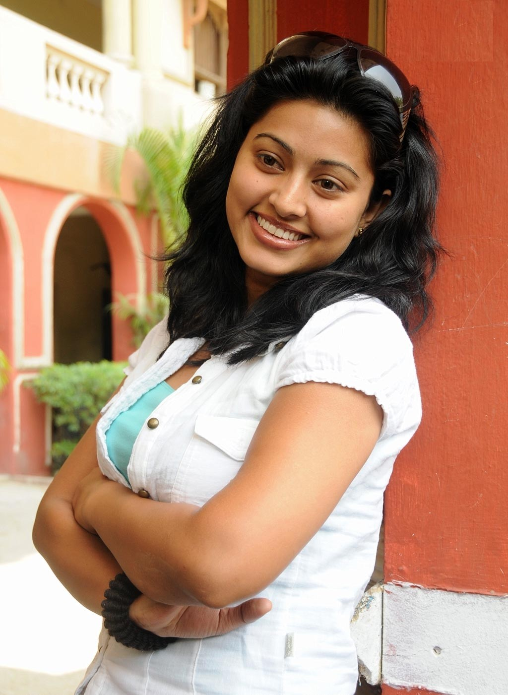 Malayalam Posters Sneha In Tight Jeans And Shirt- Looking