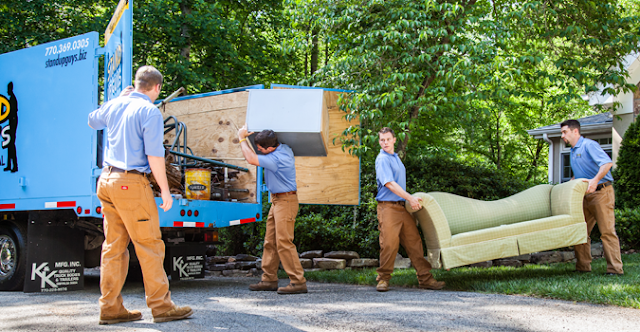 How Does A Typical Junk Removal Service Works?