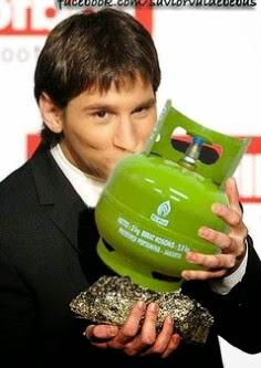 Messi Mencium Tabung Gas LPG
