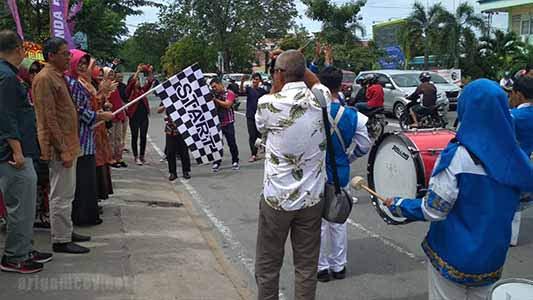 Ibu Walikota Pontianak saat datang ke Outlet Amanda Brownies di Jl.Sultan Abdurrahman