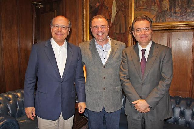 Prefeito Gilson se reúne com o Governador e o Chefe da Casa Civil para tratar de investimentos em infraestrutura